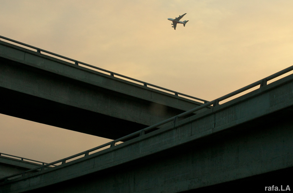 East LA Flight Path | On the 60 Freeway, crossing the 710