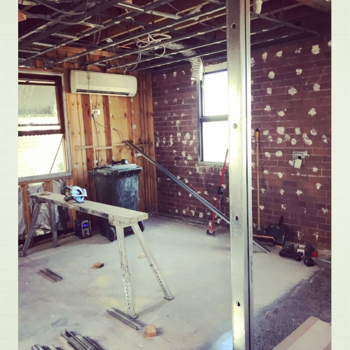 The fit out of our dental practice at 4 Rogers St, Spring Hill is underway, and we should be practicing from this location as of the 7th of February 2018