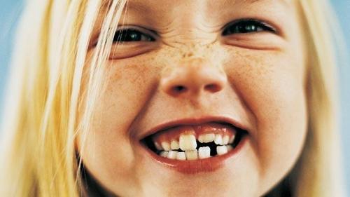 girl-brushing-teeth-136393757006703901-141015160438.jpg