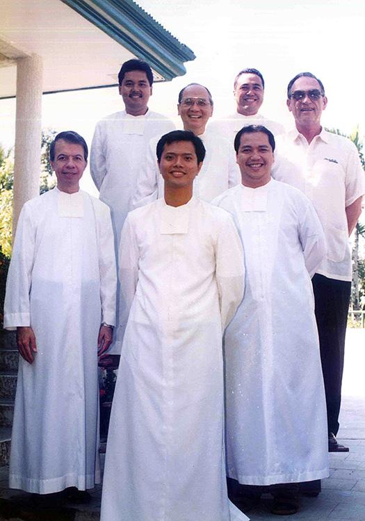 Br. Roly with (front row, L-R) Brs. Gus Boquer, JJ Jimenez, Dante Amisola, (back row, L-R) Bong Servando, Vince Fernandez, and Martin Simpson FSC.
