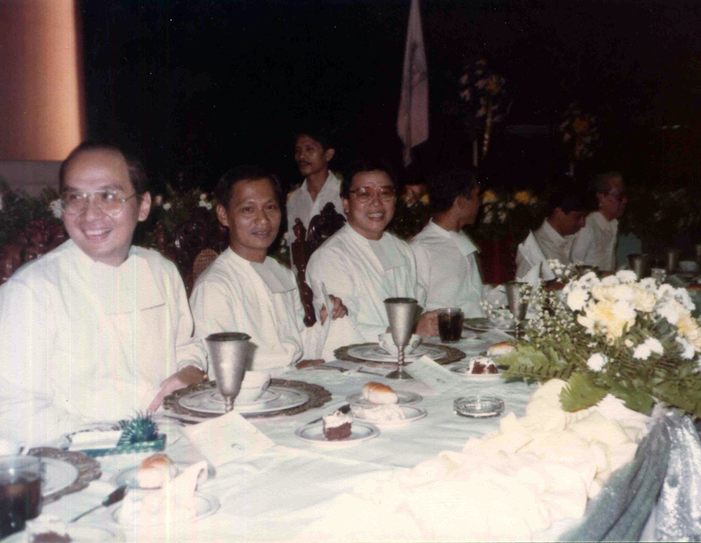 Br. Roly celebrates with his batchmates Brs. Manny Hilado (second from left) and Ceci (center).