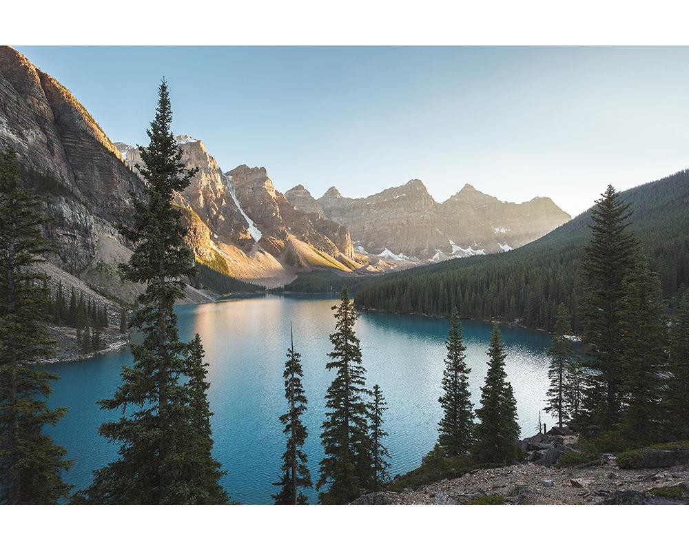 059-canada-alberta-lake-moraine.jpg