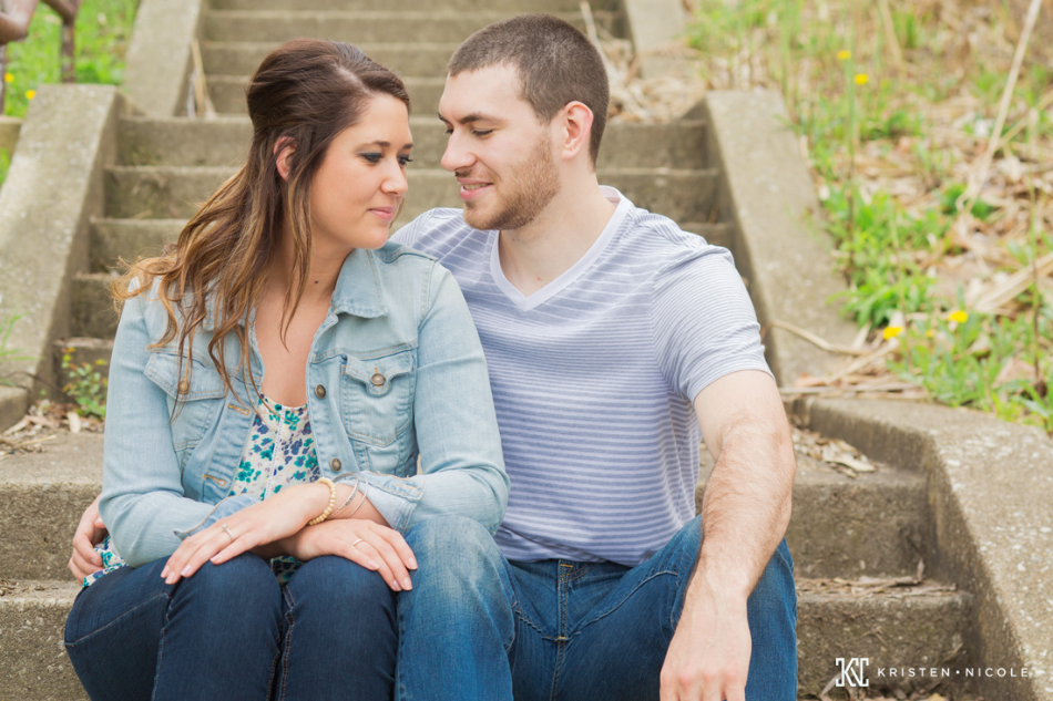 cleveland-engagement-photographers-03.jpg