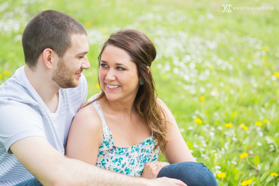 cleveland-engagement-photos-01.jpg