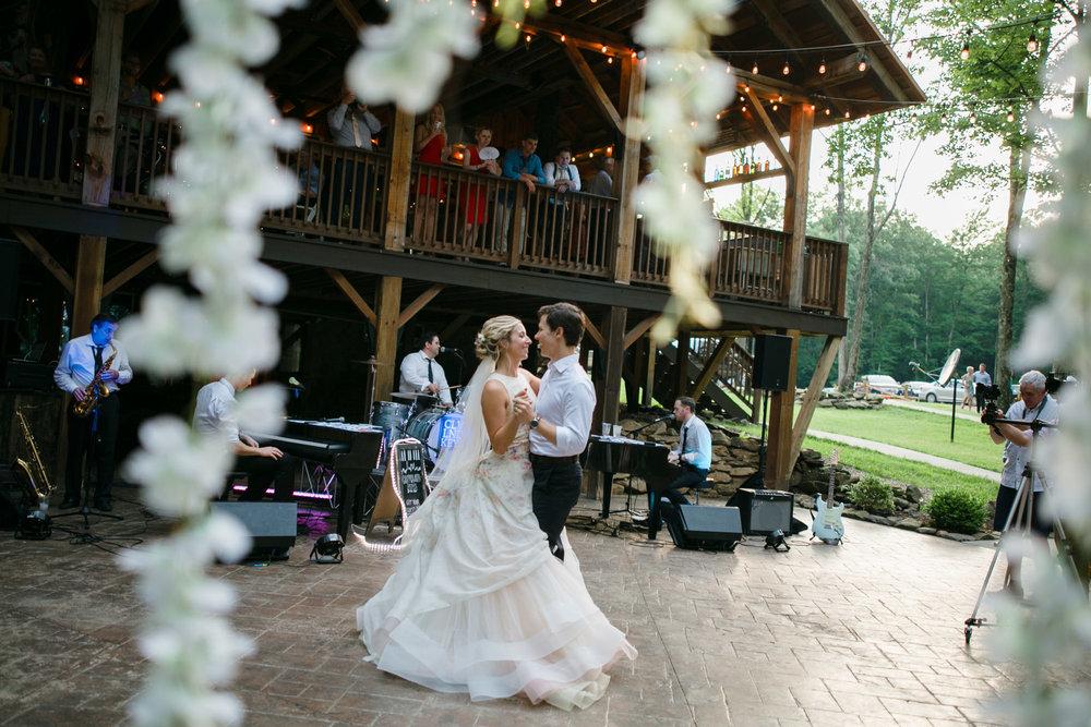 grand-barn-mohican-wedding-119.jpg