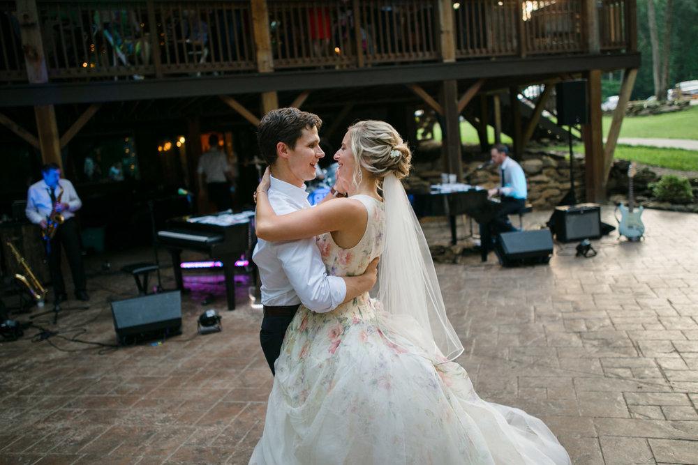 grand-barn-mohican-wedding-121.jpg