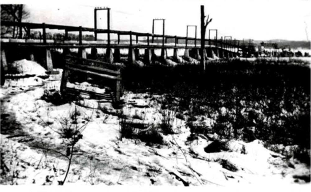 The conveyor belt that brought harvested ice from the lake to the ice house.  Courtesy of the Morris Historical Society