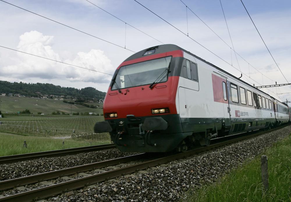 InterCity_Pendelzug_EW_IV_bei_Rolle.jpg