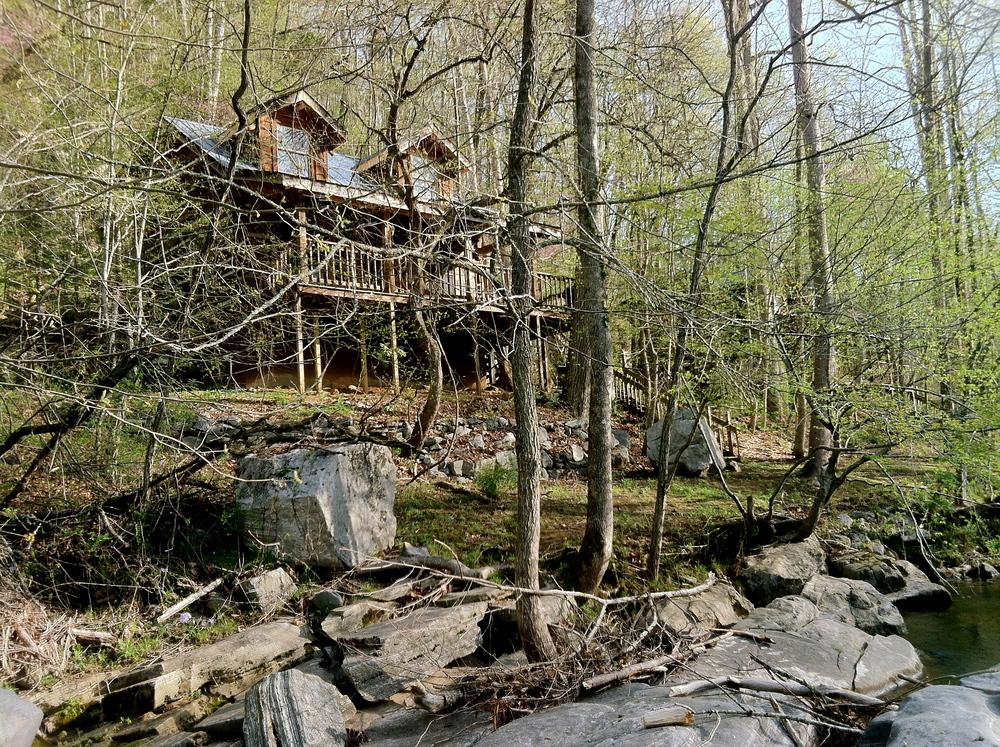 Living Waters Loft Cabin