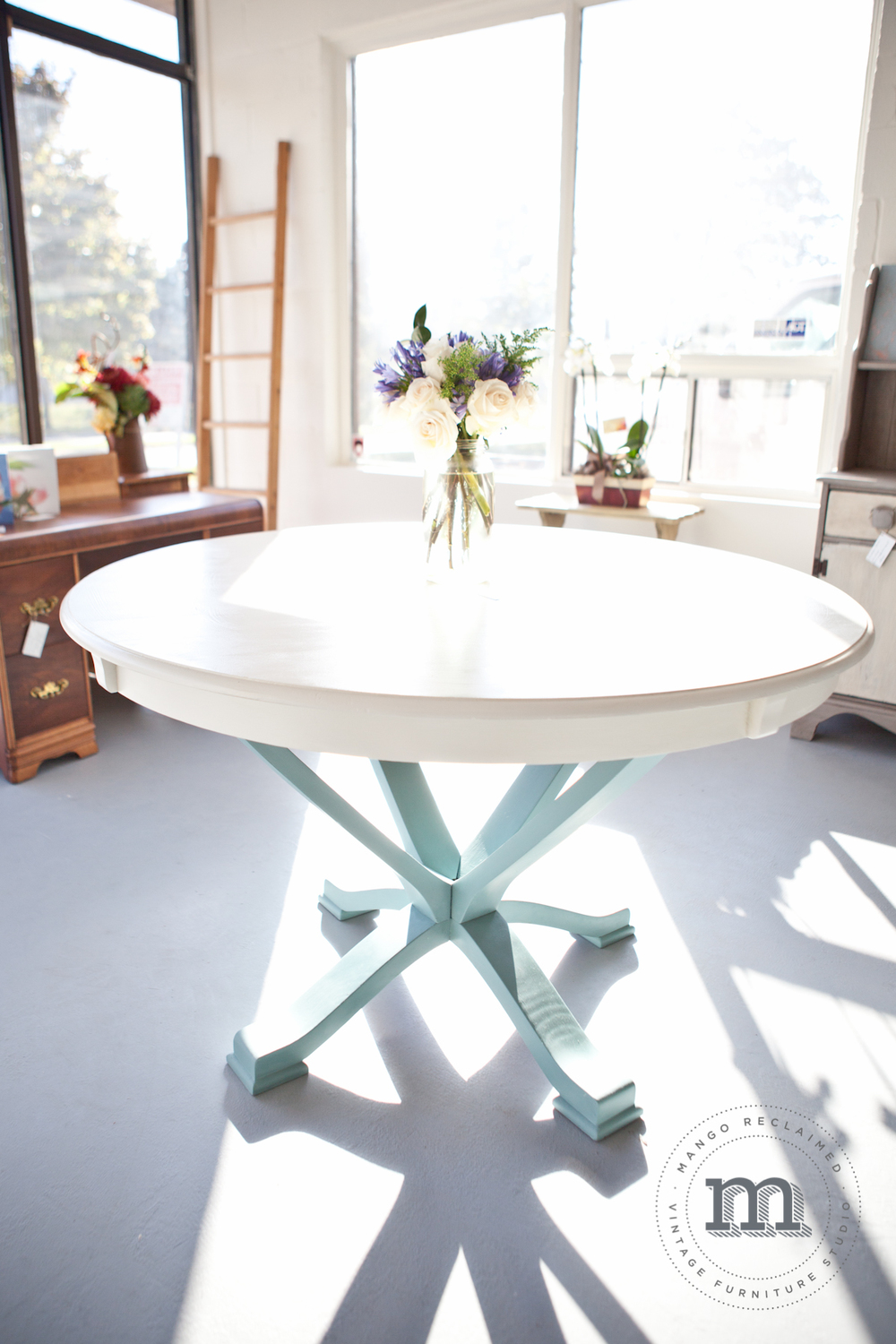 Love, love, love the base of this table!