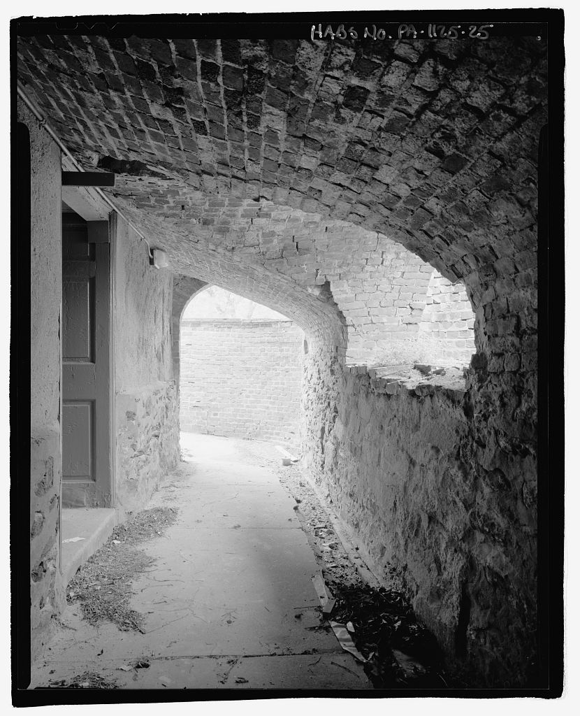 Image of Cryptoporticus by Joseph Elliot (2002), HABS PA, 51-PHILA, 29--88, Library of Congress.