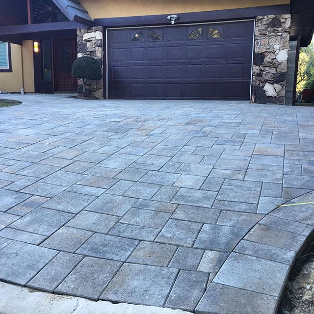 Driveway paving coming together with Belgard's Catalina pavers #paving #marvellandscapes #hardscape #designbuild #outdoorliving