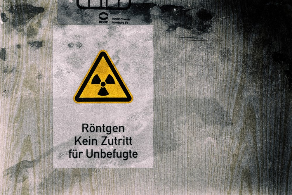 Translation from German: Radiation: No Entry for Unauthorised Persons
