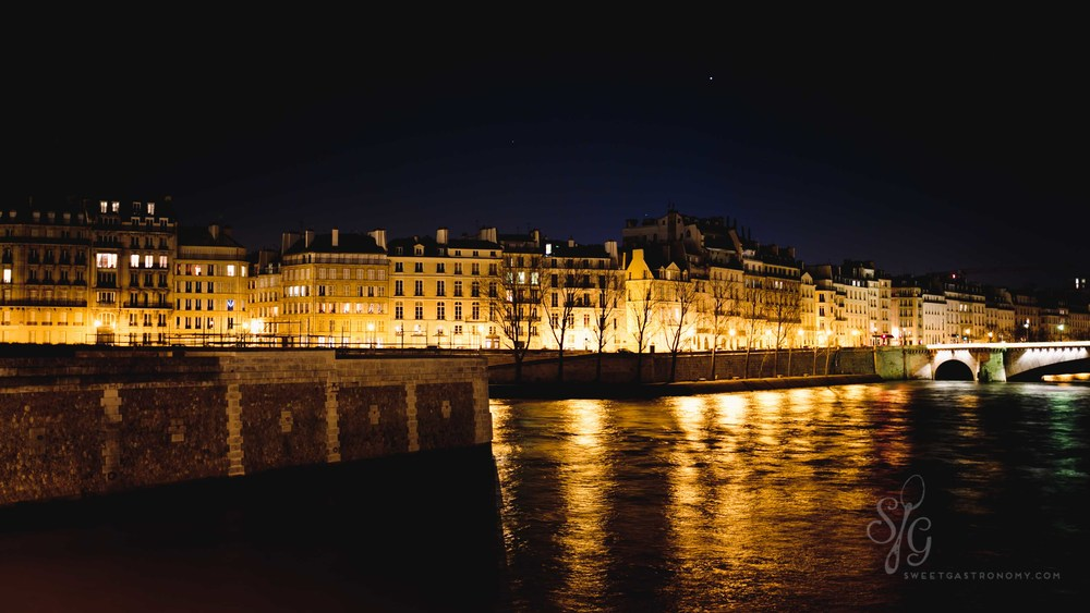 Midnight walks along the Seine
