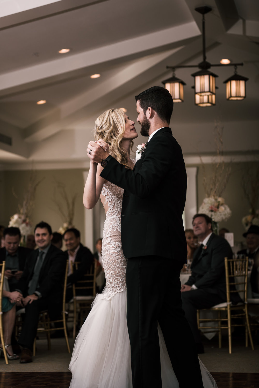romantic first dance at the Twin Oaks Golf Course in San Marcos, San Diegos premier wedding venue