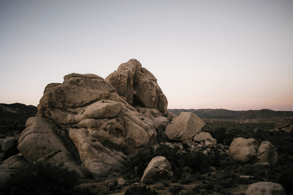 the stunning landscape of boulders makes Joshua Tree perfect for elopements in Southern California