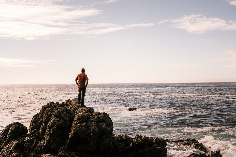 The rocky shoreline of Big sur is the perfect destination for intimate elopements in california.