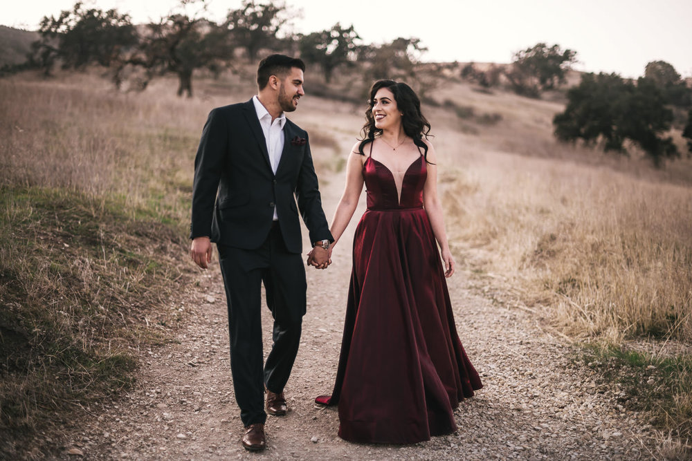 Stunning engagment photos in Malibu California taken by Wedding Photographer.
