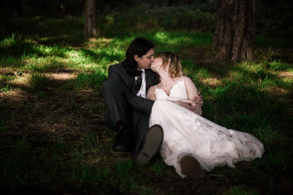 Couple elopes to Big Sur for a romantic photo session.