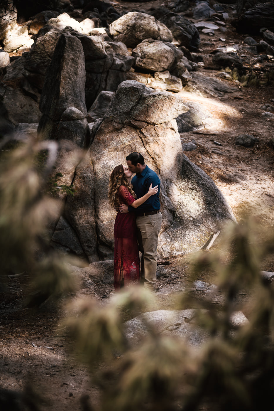 Weddings and engagements photography for adventurous spirits.