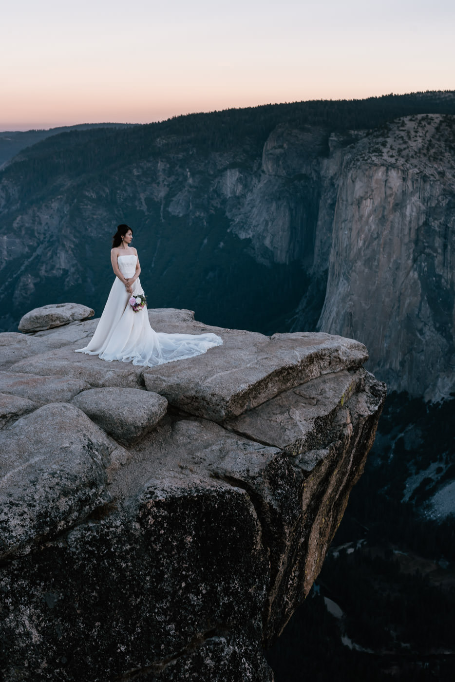 Beautiful bridal portraits in the national parks.