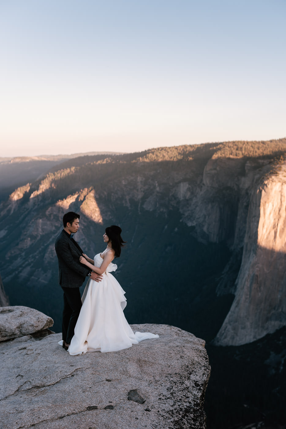 Best destination wedding photographers for adventurous weddings.