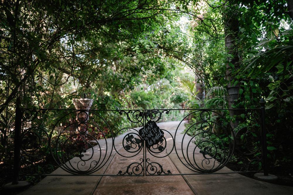 eden-gardens-wedding-photographer-romantic-32.jpg