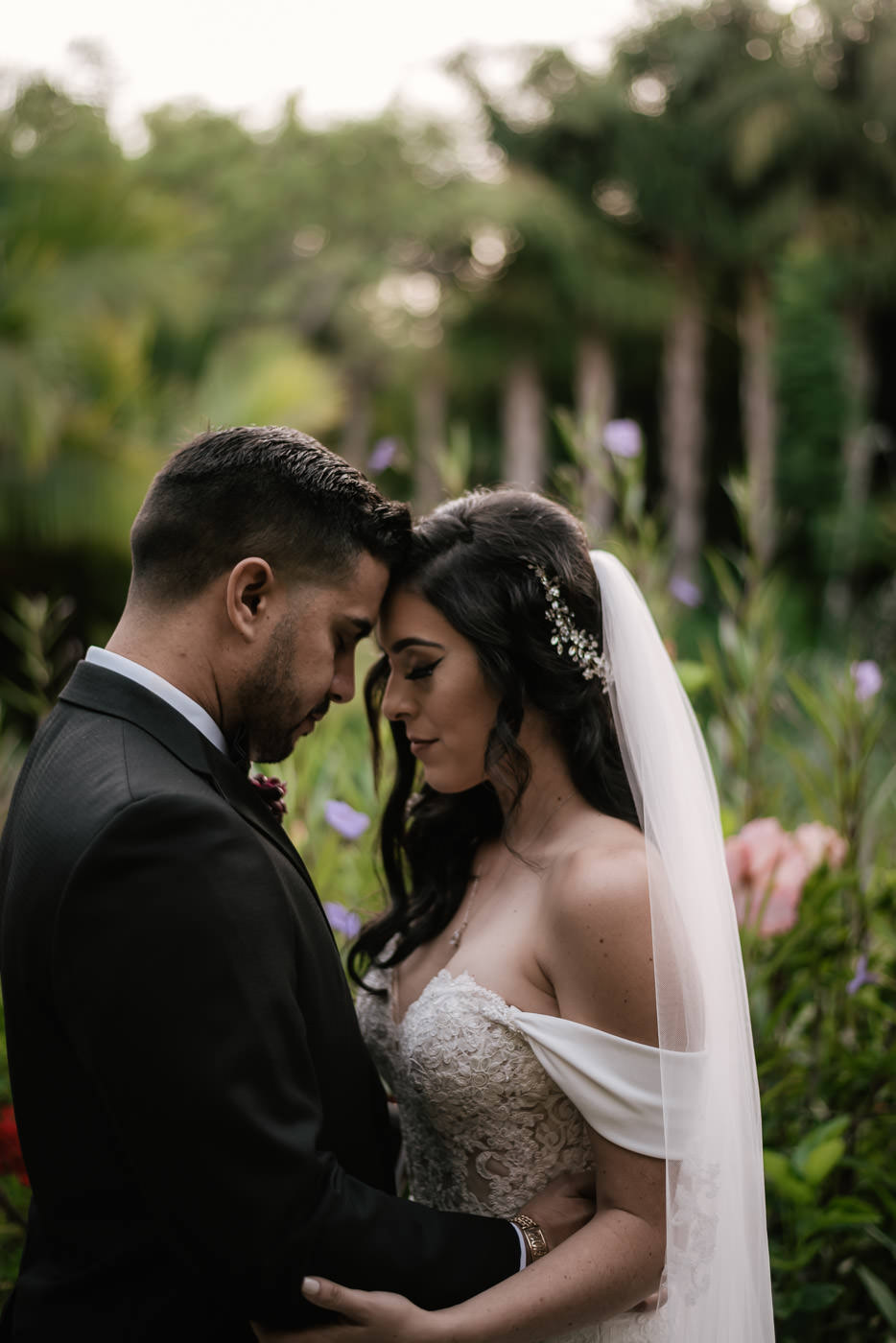 eden-gardens-wedding-photographer-romantic-76.jpg