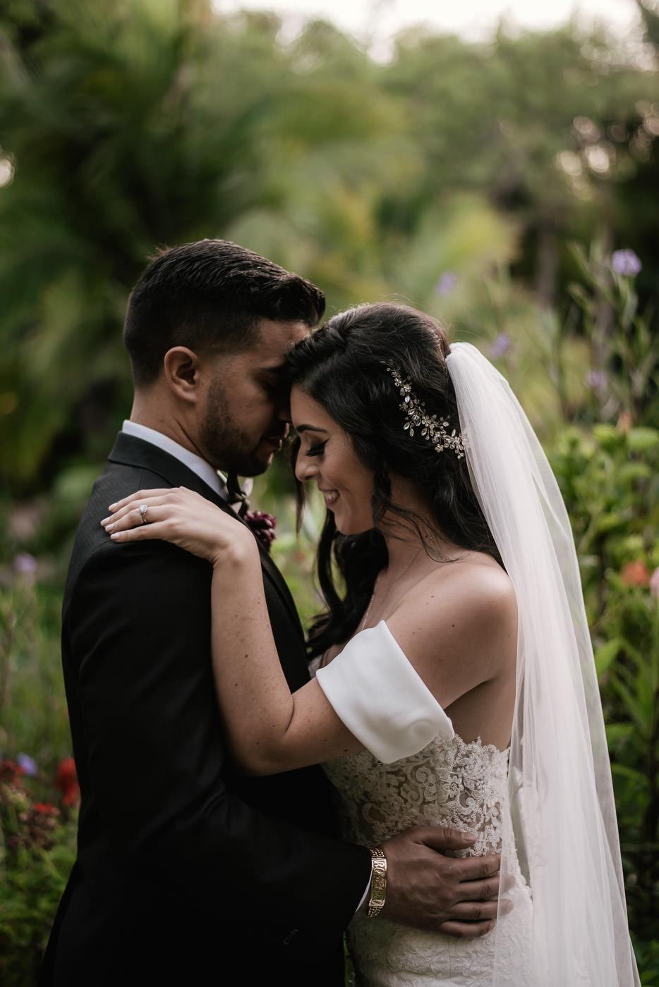 eden-gardens-wedding-photographer-romantic-77.jpg
