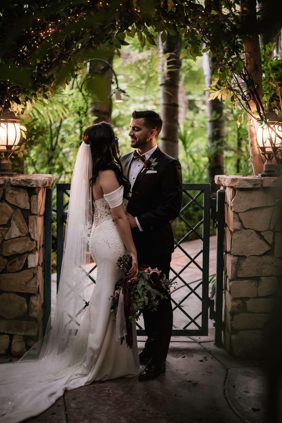 eden-gardens-wedding-photographer-romantic-81.jpg