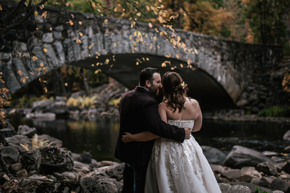 pohono-bridge-elopement-photos-yosemite-7.jpg