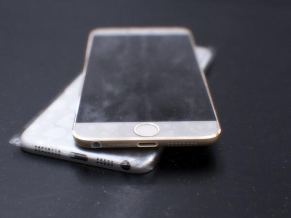 Image showing the base of the casings, apparently for the iPhone 6 (Source - Twitter user mornray886)