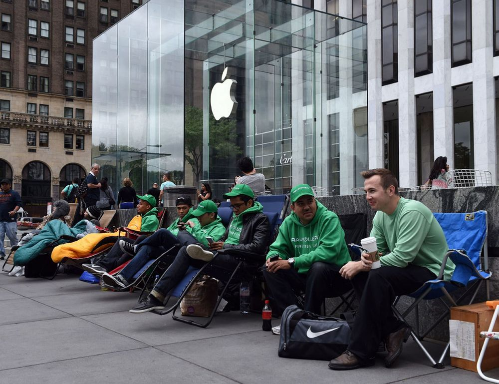While this many people waiting out side Apple's flagship NY store for the iPhone 6 on September 9th (10 days before they can actually buy one) is impressive, some of these people have being wanting in this list from as early as August 31st! (Source: Mirror.co.uk)