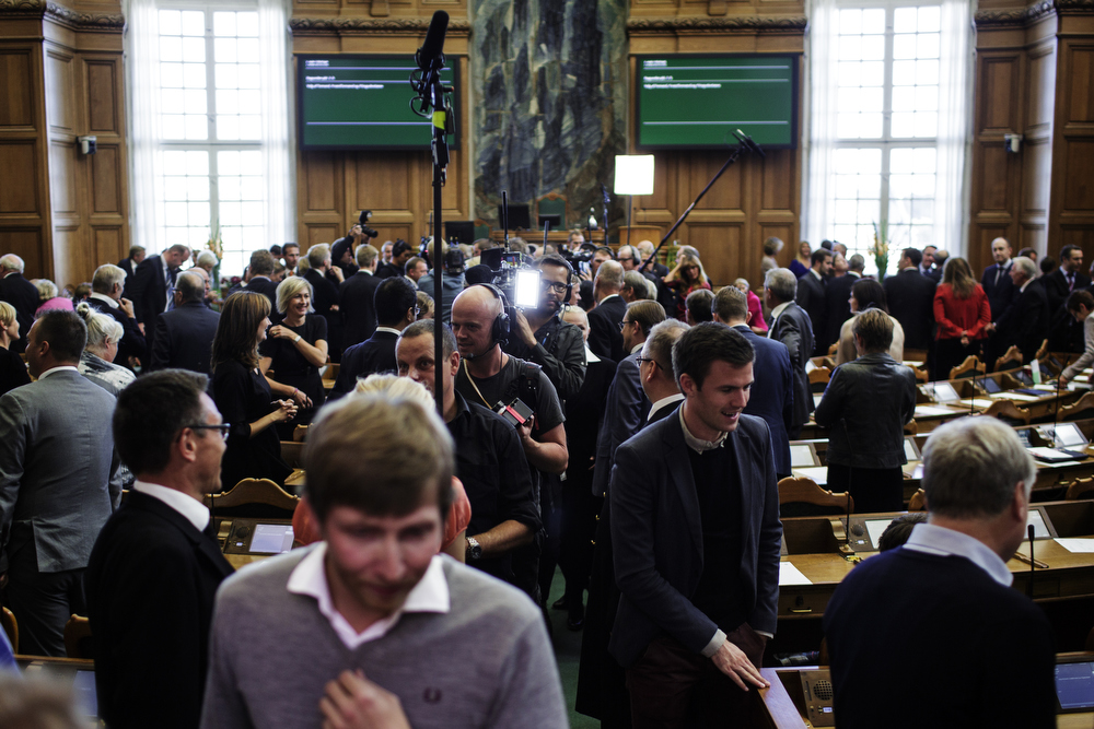 Once a year the press is allowed at the floor of the Parliament Chamber for a few interviews and photos.