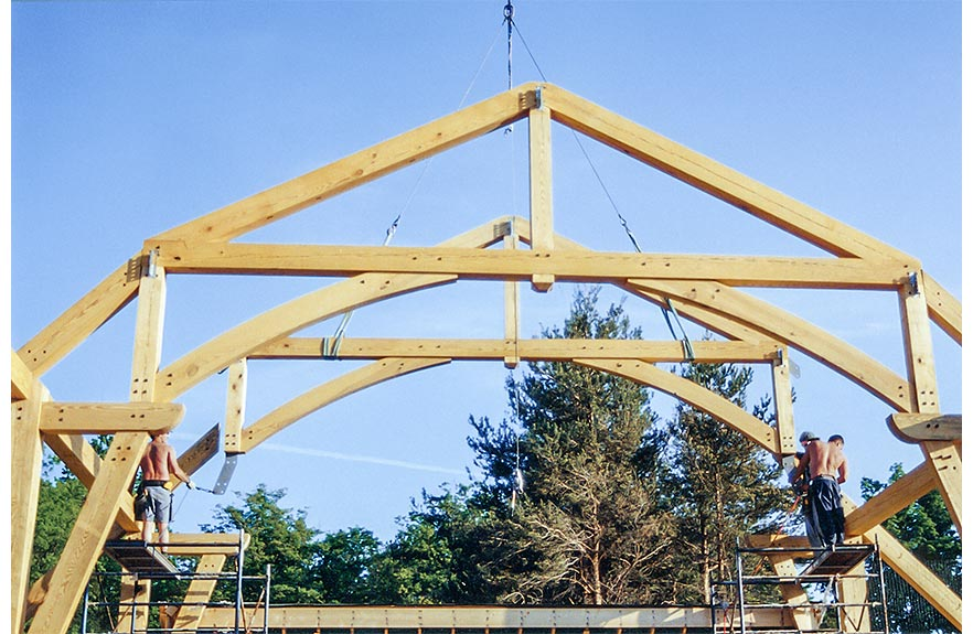A hammer beam frame