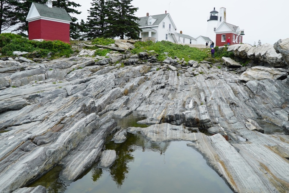 pemaquid-point-lighthouse-rocks.jpg