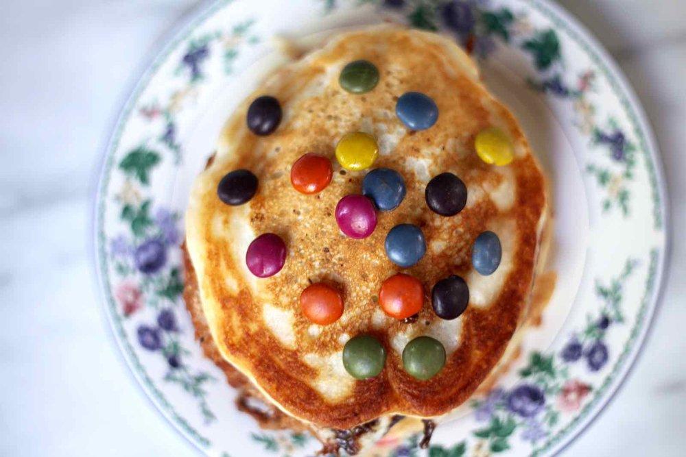 halloween-candy-pancakes-2.jpg