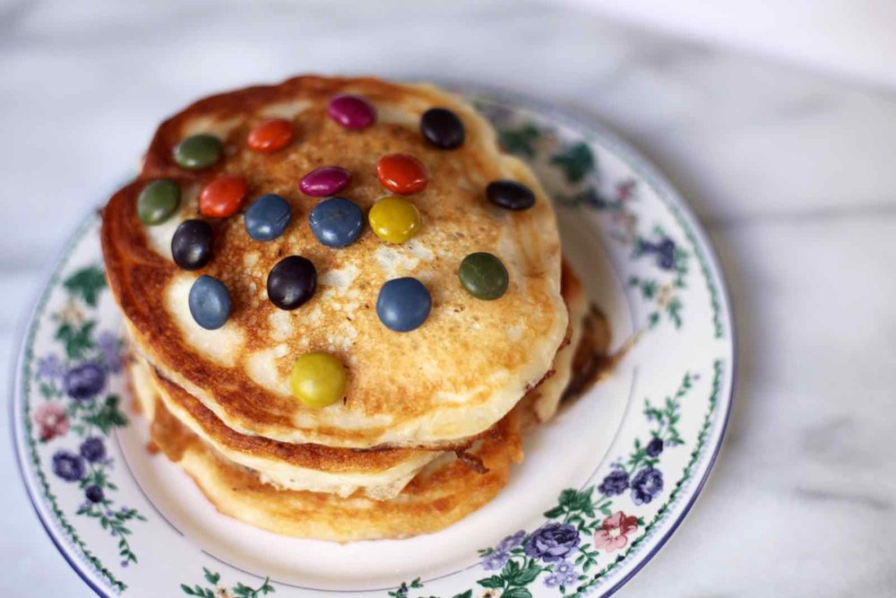 halloween-candy-pancakes-3.jpg