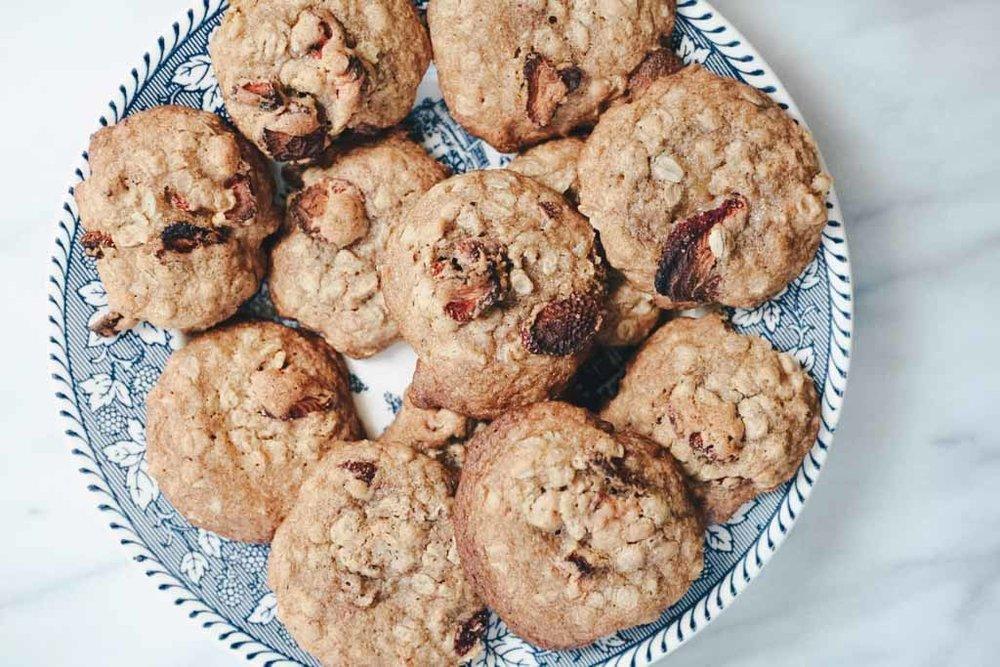 strawberry-oatmeal-cookies-5.jpg
