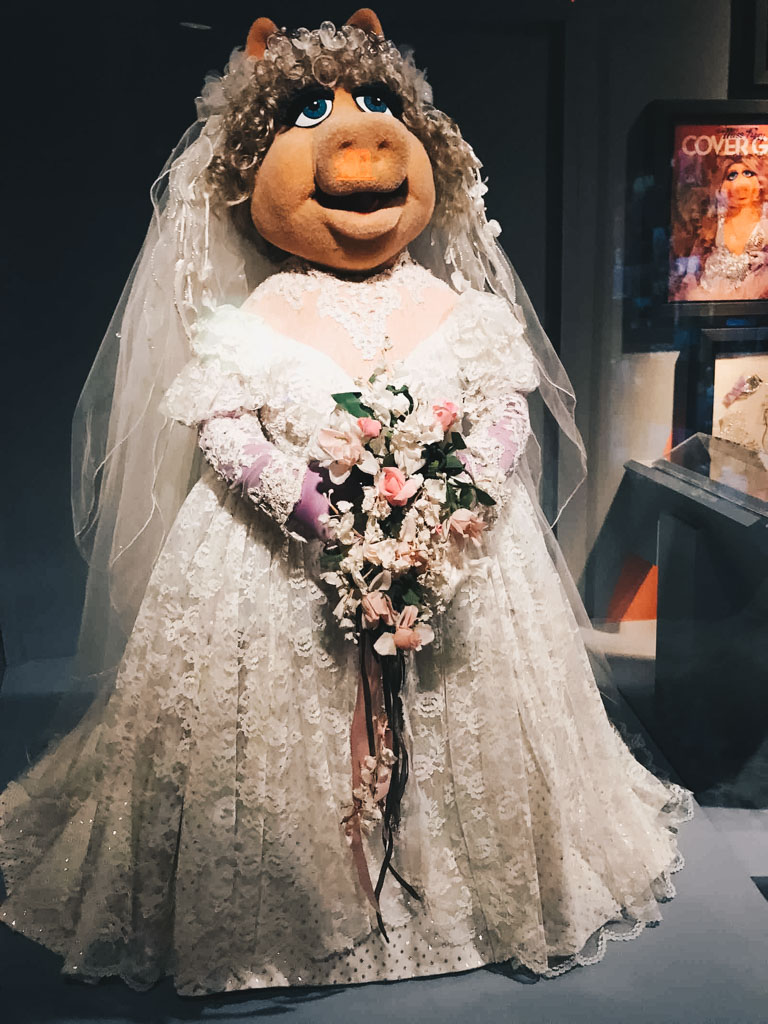 miss-piggy-wedding-dress.jpg