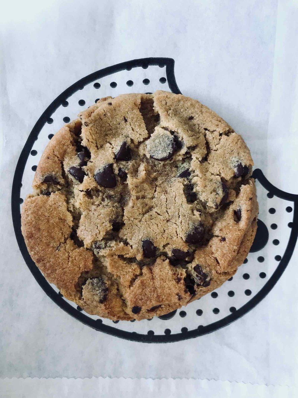 by-CHLOE-gluten-free-vegan-chocolate-chip-cookie.jpg