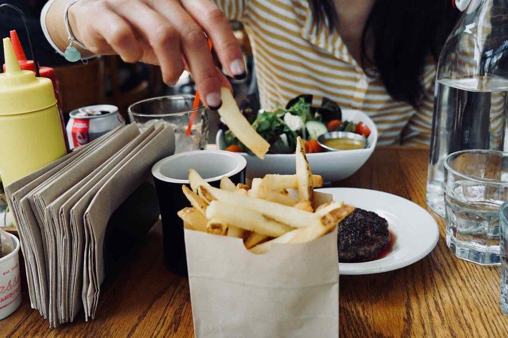 Cassells-Hamburgers-Koreatown-Los-Angeles-12.jpg