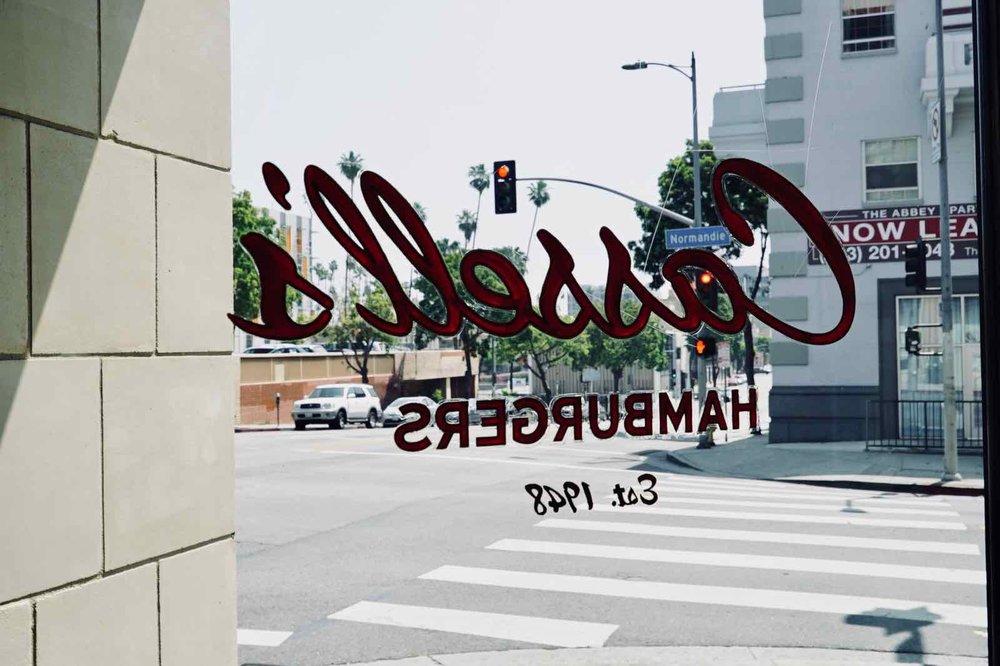 Cassells-Hamburgers-Koreatown-Los-Angeles-3.jpg