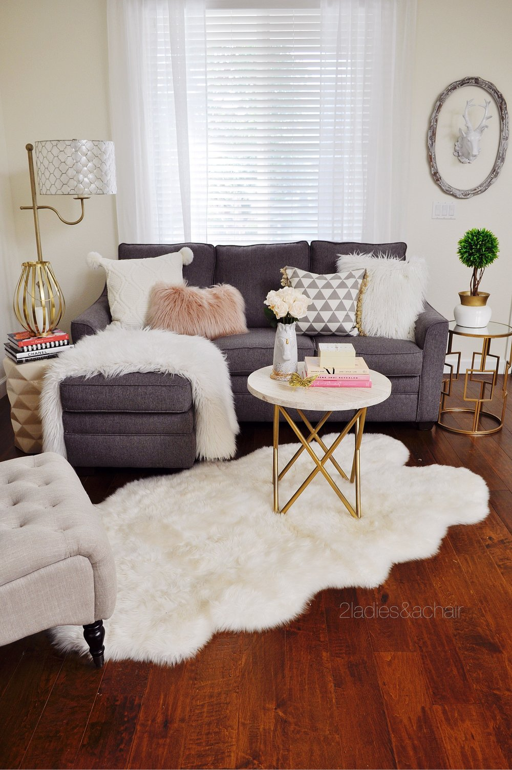 I do love to use both pink colors in decorating. I understand the trend  setters are saying this color will have a short life and is already on its  way out, ...