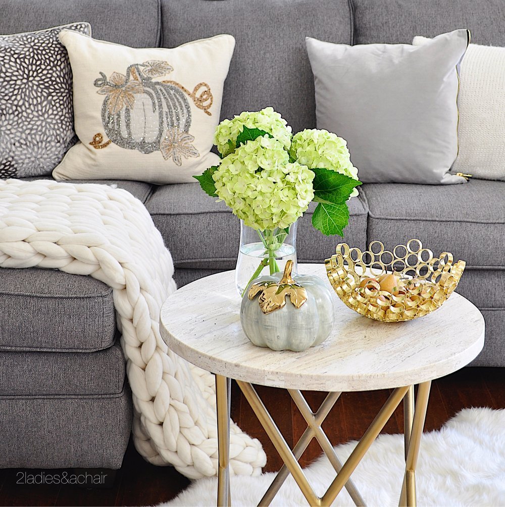 neutral living room decor ideas for fall IMG_8061.JPG