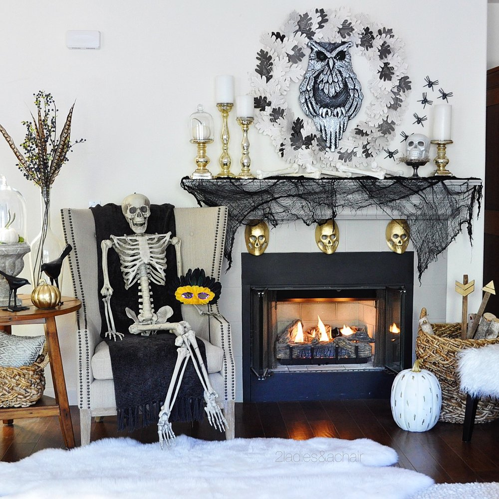 halloween mantel decorations IMG_5622.JPG