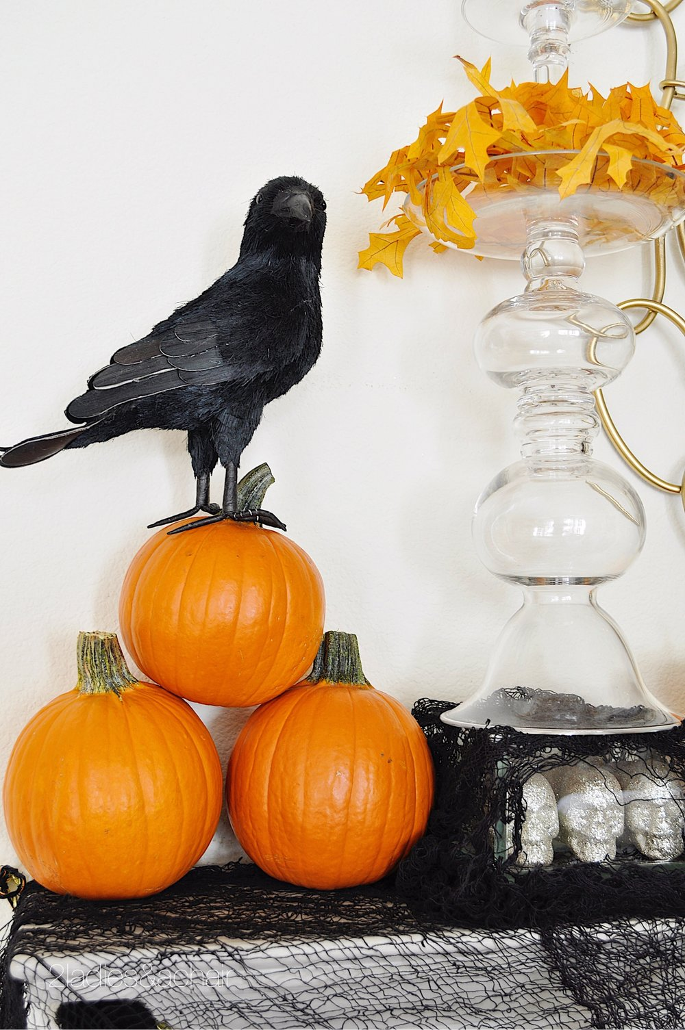 halloween mantel decorations IMG_8225.JPG
