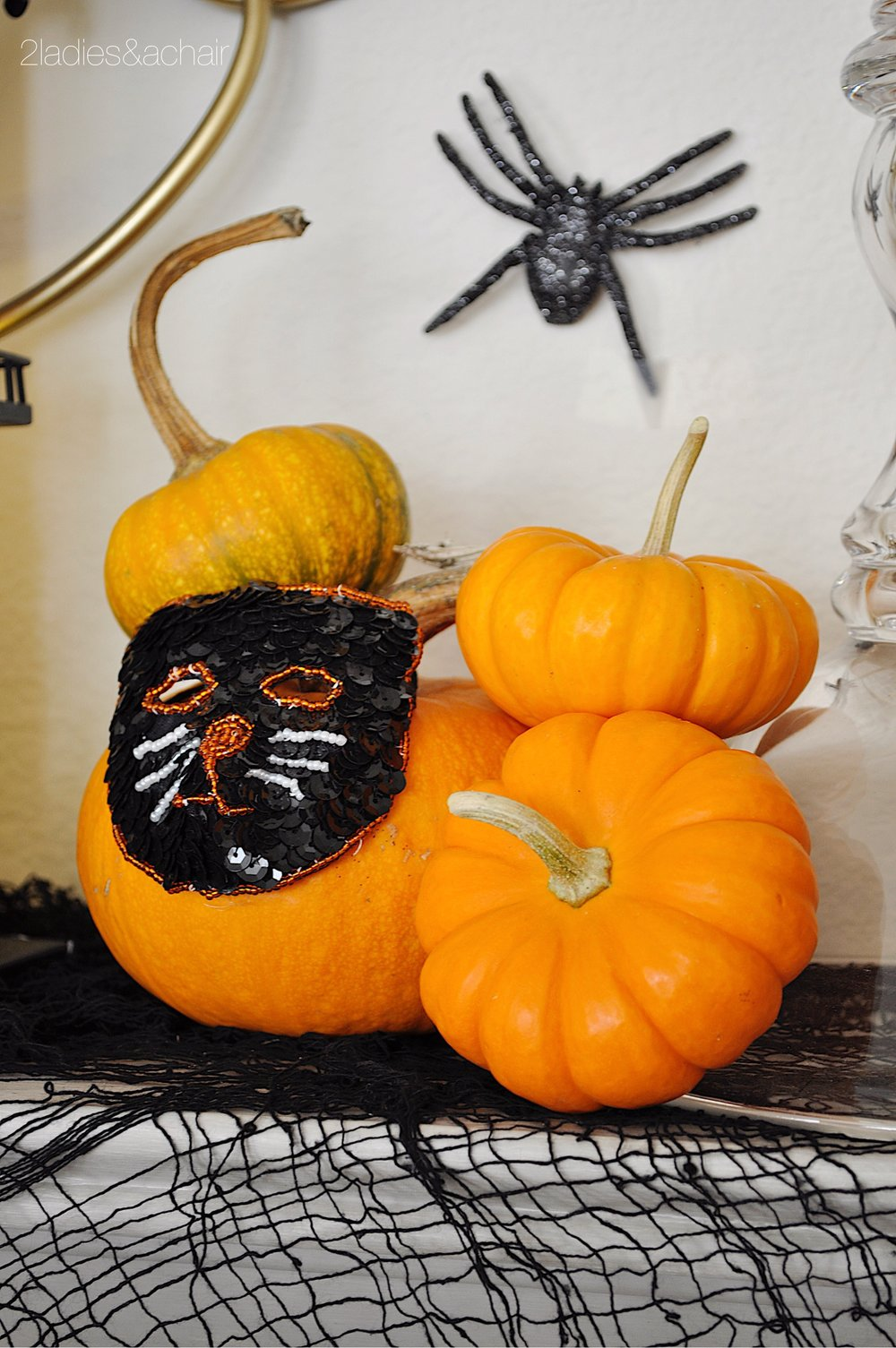 halloween mantel decorations IMG_8227.JPG