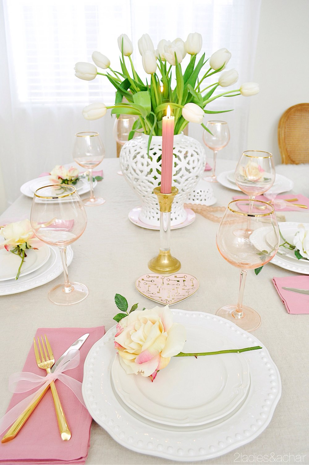 valentine's day table decor IMG_8954.JPG