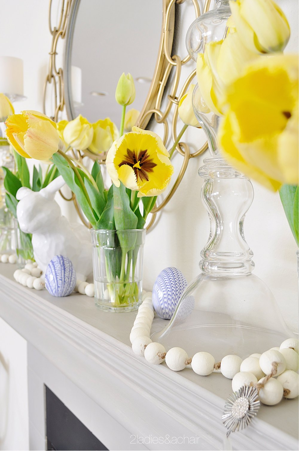 easter mantel decor IMG_1896.JPG